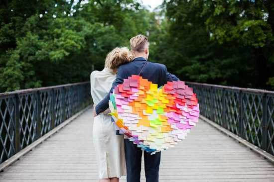 how-to-make-a-post-it-heart-pinata
