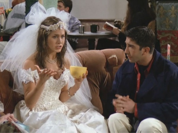 friends_101_rachel_wedding_dress