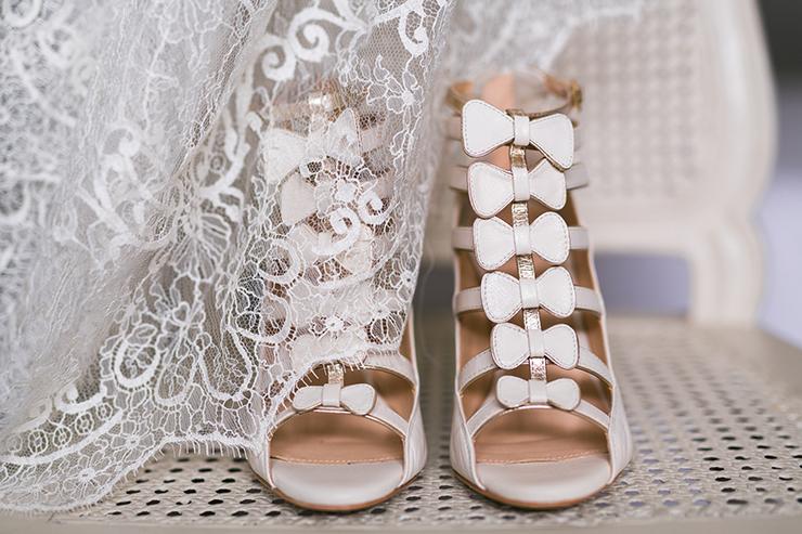 HD-fleurdesucre-photographe-portrait-glamour-mariage-paris-ile-de-france-picardie-mariee-tatouee-chaussures-elise-hameau-amelie-la-reine-queen-for-a-day-mariage_karolann-keopsqueen
